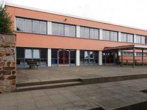 Sanierung des Freizeithauses der Gesamtschule Am Rosenberg in Hofheim